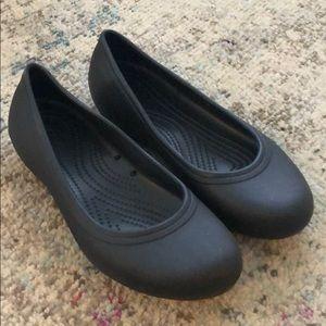 CROCS W9 Black Flats